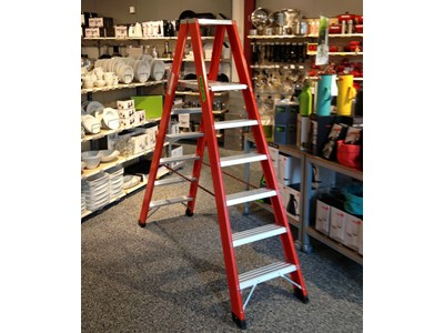 Fiberglass trestle ladder 2 x 6 rungs