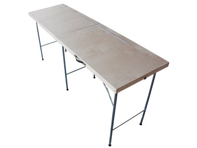 Wallpaper table with cutting groove