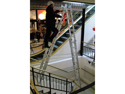 Double trestle ladder 4 x 12 steps Height 6,12 m.
